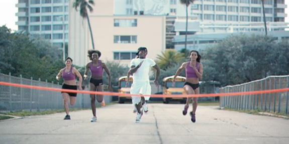 Lil Wayne feature Cory Gunz - 6'7'
