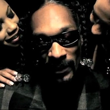 Snoop Dogg featuring Young Jeezy & E-40 - My Fucn House