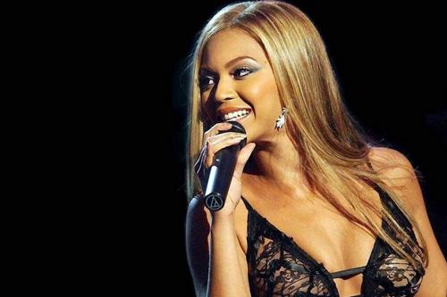 Beyoncé - Girls (Who Run the World)