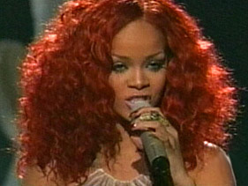 Rihanna - California King Bed (American Idol Performance)