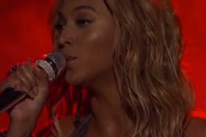Beyoncé - 1+1 (Live on American Idol)