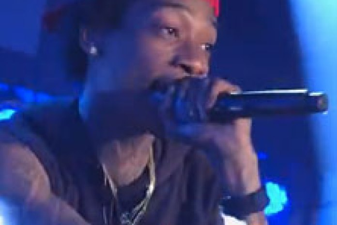 Wiz Khalifa - Roll Up (Live on Kimmel)
