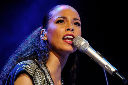 "Alicia Keys –  ""Typewriter"" & ""I Won't Go Crazy (World)"" (Snippets)"