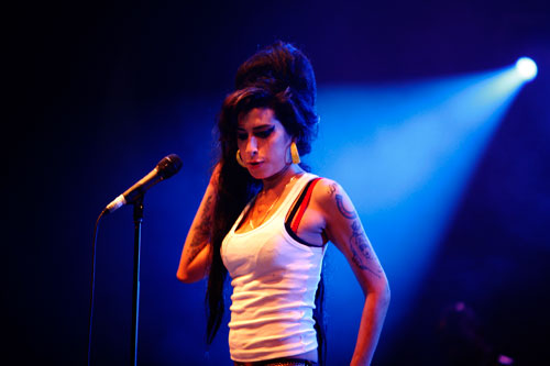Amy Winehouse plays secret comeback show