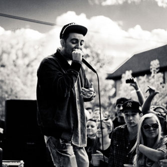 Mac Miller featuring Talib Kweli – Family First