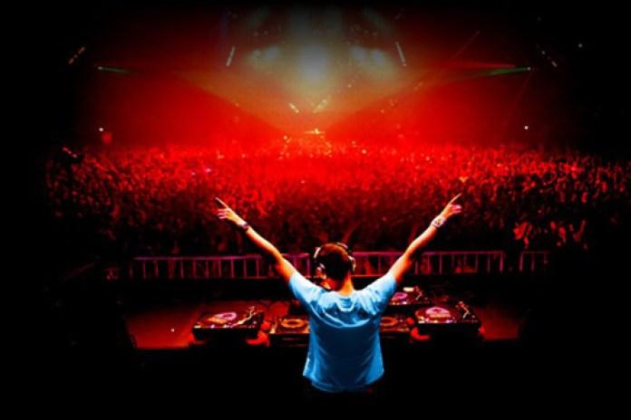 Tiësto - Maximal Crazy (Original Mix)