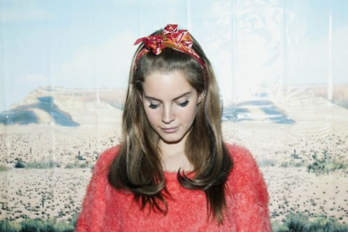 Lana Del Rey postpones U.S. live debut
