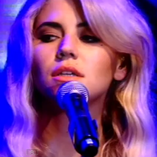 Marina and the Diamonds - Radioactive (Live @ Digital Music Awards)