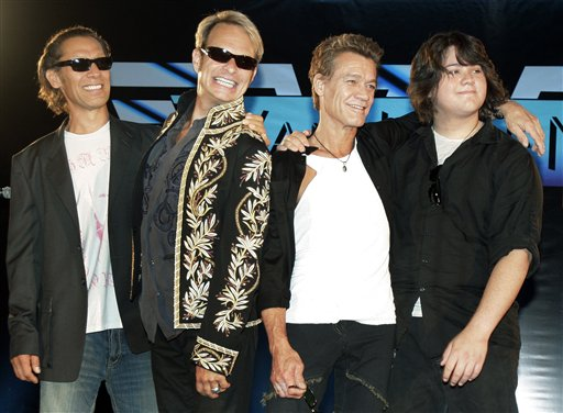 Van Halen to sign with Interscope Records