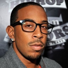 Ludacris featuring Wiz Khalifa – What U Smokin' On + Bonus Track