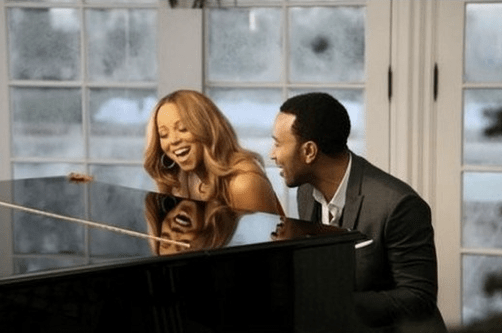 Mariah Carey featuring John Legend – When Christmas Comes (Remix)