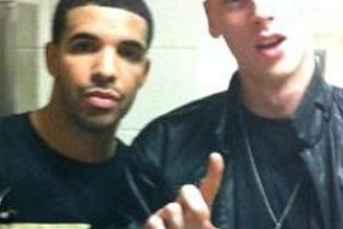Drake brings out Machine Gun Kelly in Cleveland