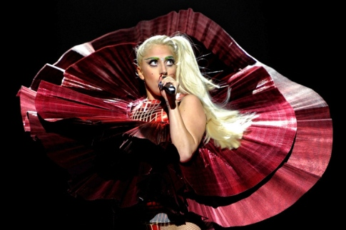 Lady Gaga and Justin Bieber dominate 2011 MTV Europe Music Awards
