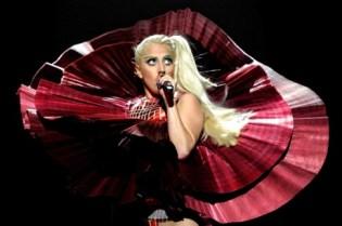 Lady Gaga and Justin Bieber dominate 2011 MTV Europe Music Awards