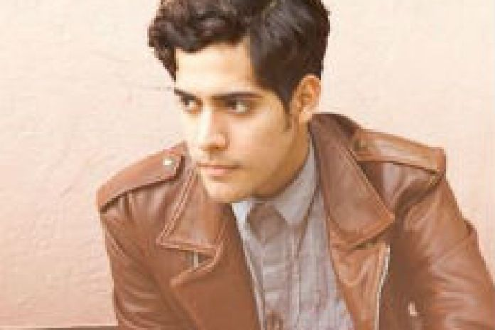 Neon Indian - Hex Girlfriend (For No One Performance)
