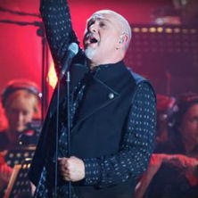 Peter Gabriel takes the stage for Live On Letterman