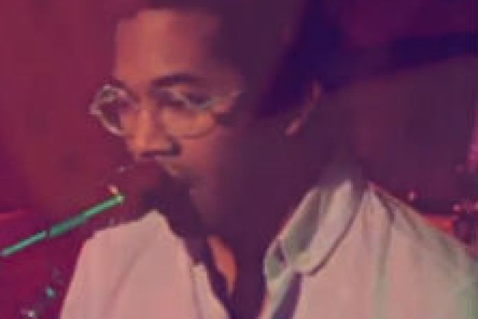 Toro Y Moi - Light Black (Special Performance)