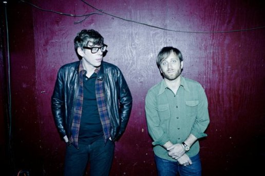 The Black Keys - Lonely Boy / Gold on the Ceiling (Live on Colbert)