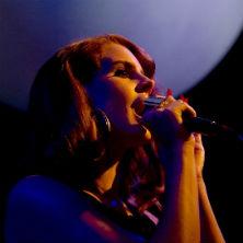"Lana Del Rey debuts ""Summertime Sadness"" in New York"