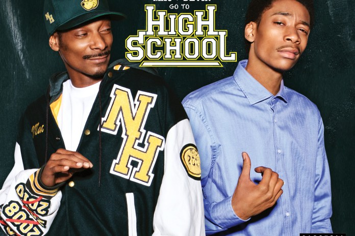 Snoop & Wiz Khalifa featuring Juicy J - Smokin' On