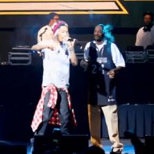 Snoop Dogg & Wiz Khalifa featuring Juicy J - Smokin On
