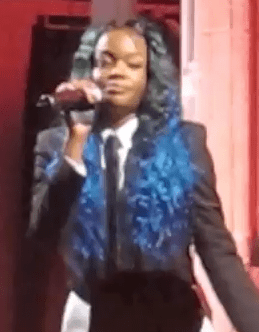 "Azealia Banks performs ""212"" at Karl Lagerfeld's house in Paris"