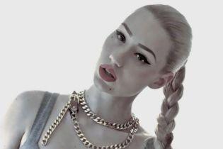 Iggy Azalea signs to Interscope, announces new album in June