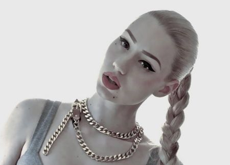 Iggy Azalea signs to Interscope, announces new album in June