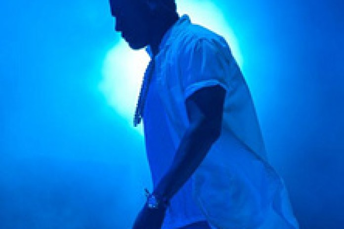 Kanye West DJ's at NYE party in Las Vegas (Video)