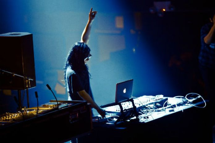 Skrillex featuring Sirah - Kyoto (Remixes)