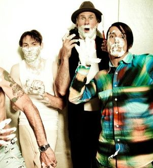 Sleigh Bells, Santigold & Little Dragon to tour with Red Hot Chili Peppers
