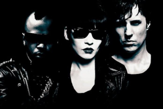 Salem – Better Off Alone (Alec Empire/Atari Teenage Riot Remix)