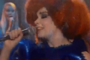 Björk - Cosmogony (Live on The Colbert Report)