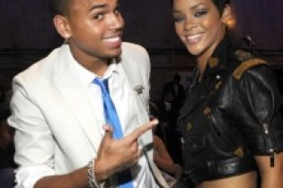 """Chris Brown to feature on Rihanna's """"Birthday Cake"""" remix"""