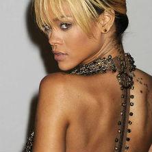 "Rihanna performs ""We Found Love"" at BRIT Awards"