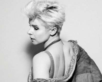 Robyn to open for Coldplay