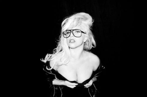 Lady Gaga first to pass 20 million Twitter followers