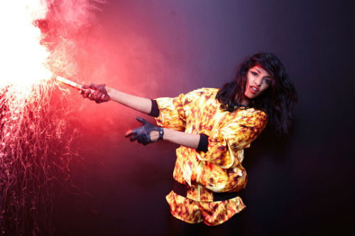 M.I.A. debates with CNN anchor Anderson Cooper on Twitter