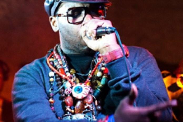 Mr. Muthaf**kin' eXquire featuring Goldie Glo - Good Pu**y In Chicago