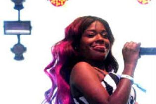 Azealia Banks - Coachella 2012 Performance