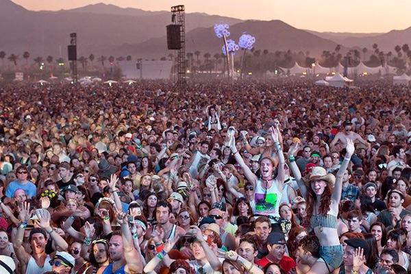 Coachella 2012, April 13 (Live Stream)