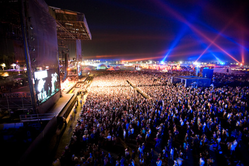 Coachella breaks attendance record during first weekend