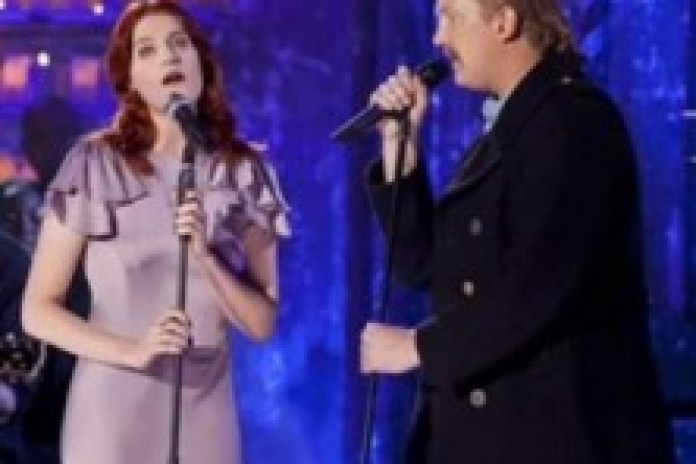 "Florence Welch & Josh Homme cover Johnny Cash classic ""Jackson"" (Preview)"