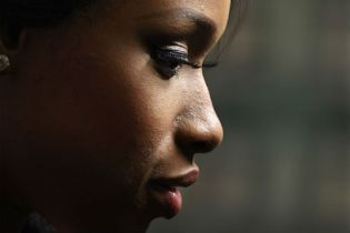 Jennifer Hudson testifies at family murder trial