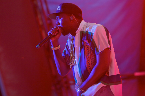Kanye West featuring DJ Khaled - Theraflu