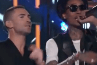 Maroon 5 & Wiz Khalifa - Payphone (Live on The Voice)