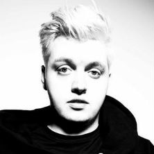 Flux Pavilion featuring Example - Daydreamer (Live at Maida Vale Studios)
