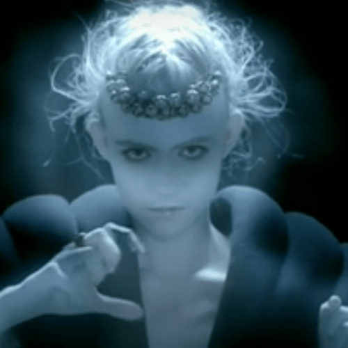 Grimes featuring Majical Cloudz - Nightmusic (NSFW)