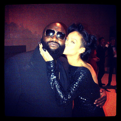 Rick Ross featuring Rihanna -  Cake (Remix)