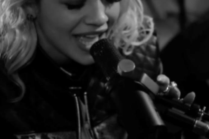 Rita Ora – Roc The Life & R.I.P. (Acoustic Performance)